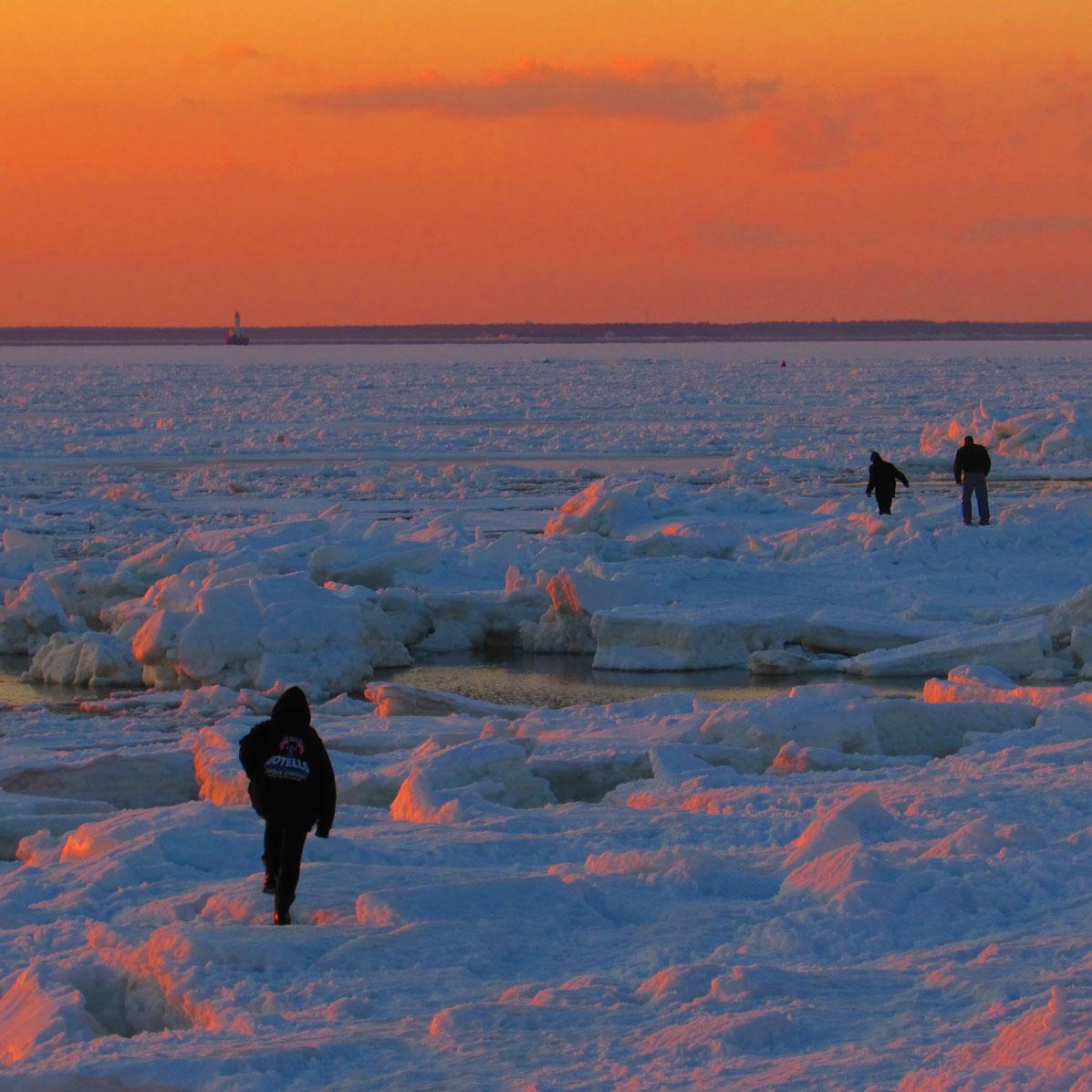 BuzzaardsBay Ice Breakup March8