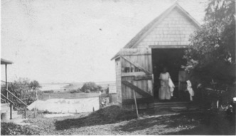 Photo of the laundry at the Fay Cottages, 1916